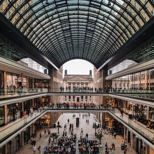Mall Says It Didn't Default on Wells Fargo Loan (False Default)